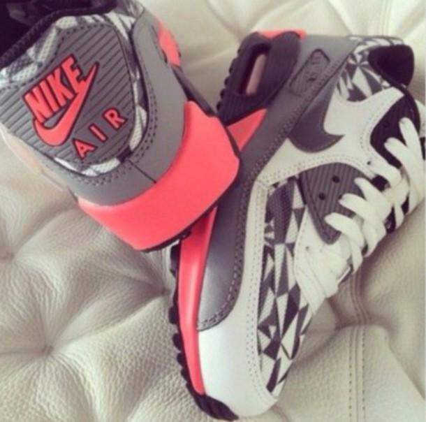 shoes gris blanc roses air max