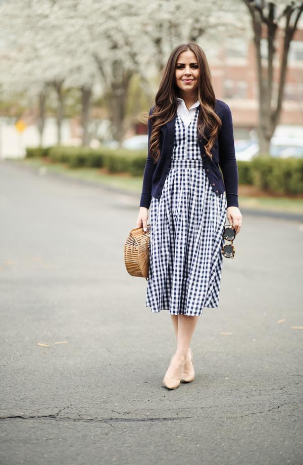 dress corilynn blogger dress top cardigan sweater bag shoes sunglasses