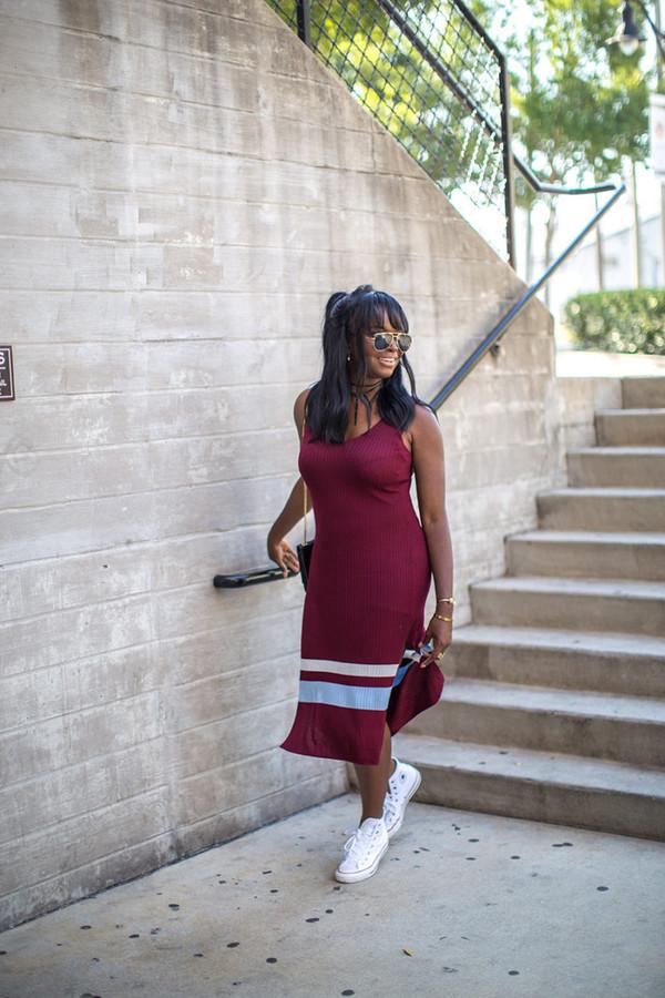 millennielle blogger dress top bag
