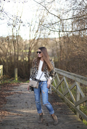 b a r t a b a c,blogger,belt,ripped jeans,leopard print,suede boots,coat,jeans,sweater,top,shoes,bag,sunglasses