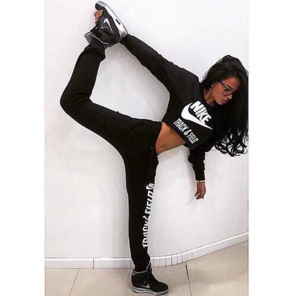 shirt black nike white joggers pants workout leggings gym sweater casual short