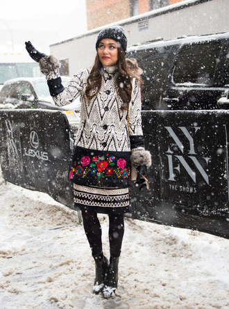 coat nyfw 2017 fashion week 2017 fashion week streetstyle printed coat skirt midi skirt printed skirt tights opaque tights boots black boots ankle boots beanie black beanie gloves winter outfits winter coat