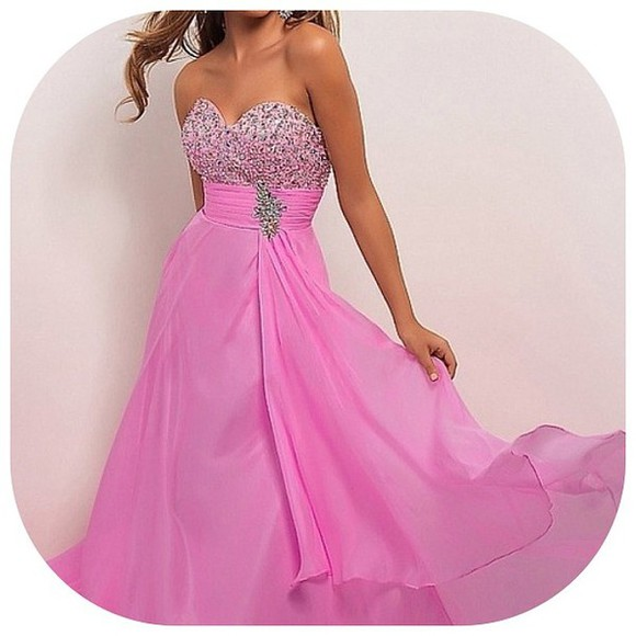 bright pink pink dress sparkle beaded long prom prom dress flowy flowy dress beaded dress pink dress bright pink dress sweatheart sweatheart neckline instagram fashion fasionpieces_ pink prom dress sparkly celebrity style steal