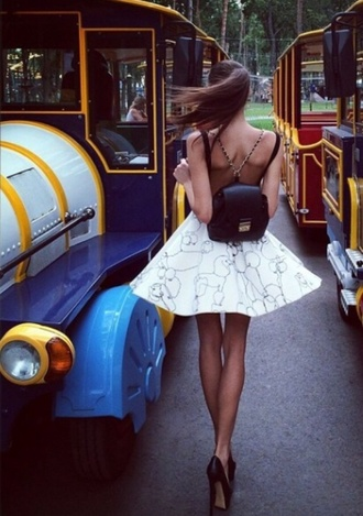 bag bag/purse purse lowback dress open back dresses open back low back mini dress short dress beach babe chic louboutin louis vuitton gold backless dress low back dress open back dress silver shorts high heels pumps babe ponytail