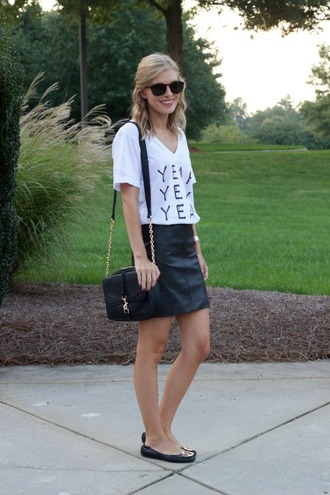 life with emily blogger t-shirt bag sunglasses skirt shoes