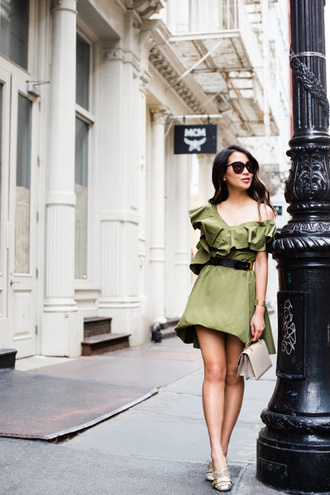 wendy's lookbook blogger dress shoes sunglasses jacket top shorts green dress gucci shoes pumps summer outfits