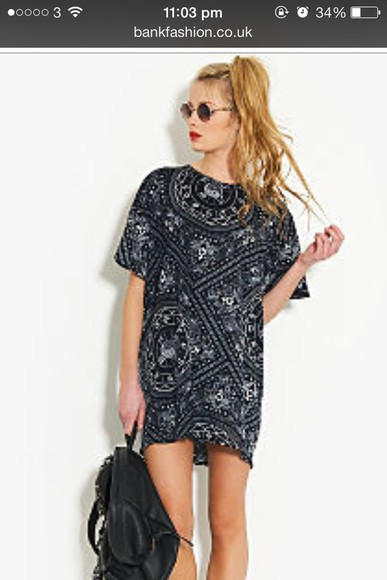 oversized black white dress tshirt paisley bandana tshirt dress flowy oversized tshirt bank fashion bandana print