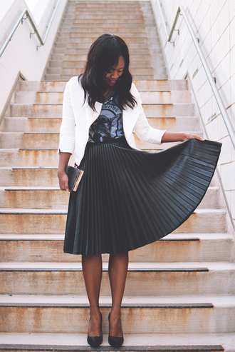 alicia tenise blogger pleated skirt midi skirt black skirt white jacket