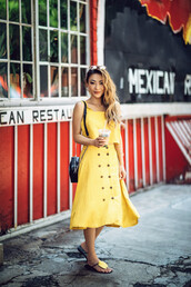 skirt,yellow,yellow top,yellow skirt,shoes,summer outfits