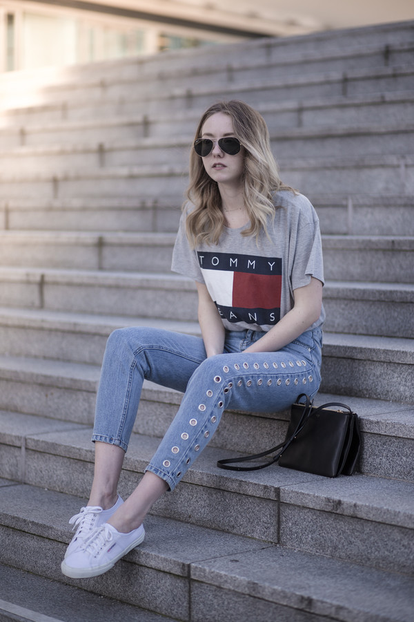 the limits of control blogger jeans t-shirt