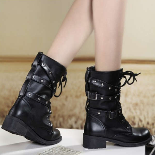 Vintage Black Martin Lace Up Rivet Decorate Women Short Boots - CA$33.51