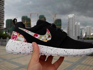 Nike Roshe Run Women Black White Flower Print Runing Shoes