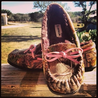 shoes pink mossy oak pink camo real tree cute moccasins camouflage