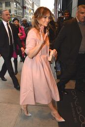 coat,jennifer lopez,nude,fall outfits,pumps,shoes