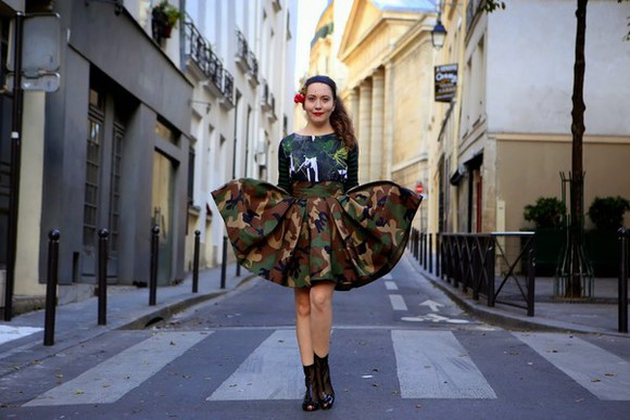camouflage top vintage traffic blogger pleated skirt military