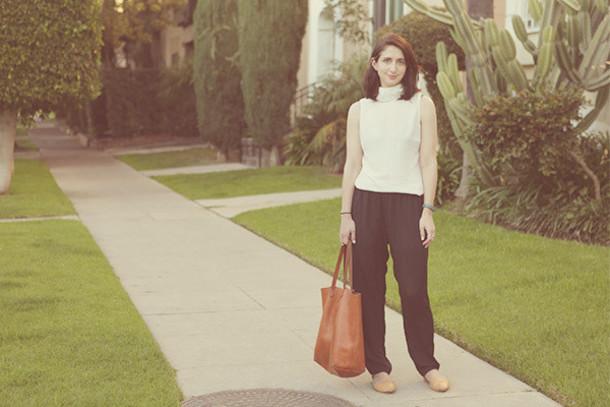 lady a la mode blogger sleeveless black pants tote bag top shoes bag jewels