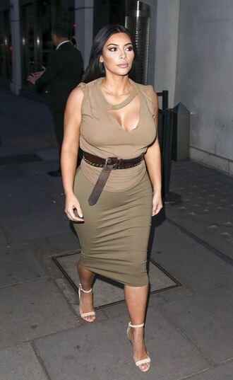skirt top sandals kim kardashian belt summer outfits