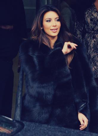 coat black kim kardashian kimk kimmy kim kardashians fourrure fourrure hiver froid