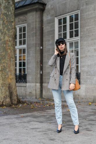 jacket hat tumblr grey blazer blazer denim jeans blue jeans top black top fall outfits sunglasses