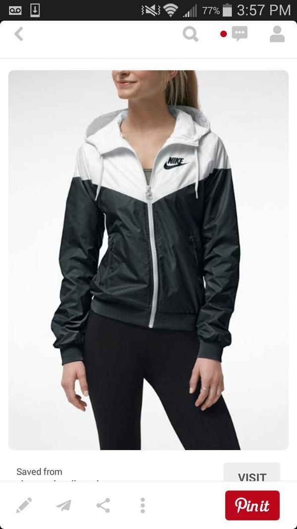 nike windrunner women 39 s jacket windbreaker hoodie black white 545909 011. Black Bedroom Furniture Sets. Home Design Ideas