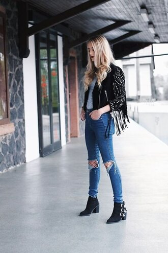 jeans fringe leather jacket grey shirt distressed denim jeans buckle boots blogger