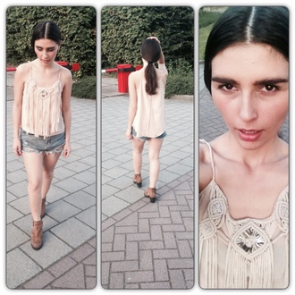 top tassel beige top summer tassel top tassel blouse fringe tassel fringed top tassel top tassel fringes beige top and beige shoes beige summer top ripped shorts ripped jeans donika ve donika venelinova hvarchilkova donika style