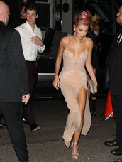 dress,camisole,slip dress,nude,nude dress,sandals,shawn mendes,hailey baldwin,model off-duty,met gala,Met Gala 2018,shoes