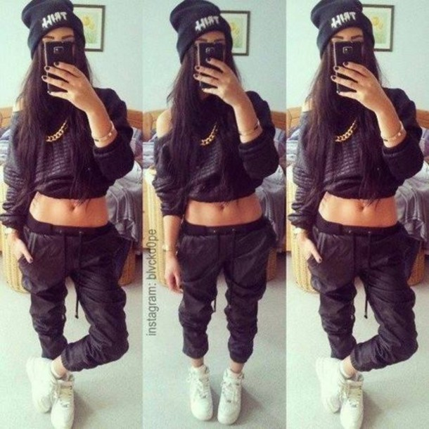 Pants Sweatpants Leather Pants Shirt India Westbrooks Blouse Sweater Shoes Black Pullover Leder Black Tracksuit Want Fashion Loveit Crop Tops Dope Fashion Style Hair Accessory Beanie Jewlrey Winter Sweater Chains On Back