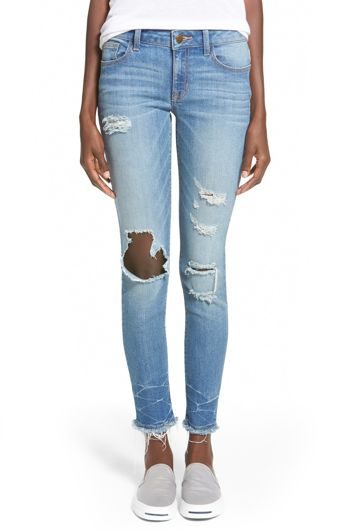 Discover denim for days with the best womens jeans around. Think ripped jeans, black jeans, and boyfriend jeans—they're right here, waiting for you. From jean leggings and skinny jeans to relaxed boyfriend jeans and throwback flared styles, there's a denim match for every outfit. Our entire assortment is available in sizes 23 to 32 in.