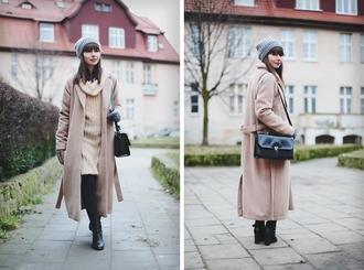 kapuczina blogger gloves camel coat knitted dress