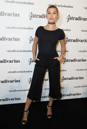 pants,sandals,hailey baldwin,london fashion week 2016,all black everything,top,choker necklace,model off-duty,bodysuit,shoes,jewels,jewelry,black,black choker,necklace,model