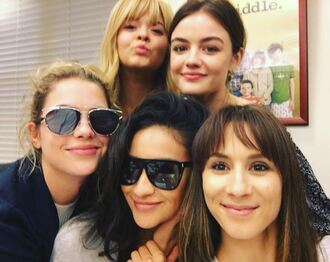 sunglasses lucy hale aria montgomery troian bellisario pretty little liars shay mitchell emily fields ashley benson hanna marin sasha pieterse alison dilaurentis spencer hastings instagram