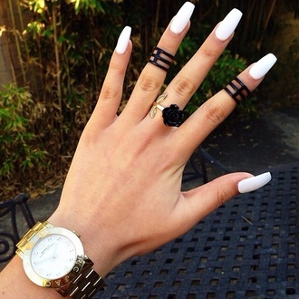 jewels ring black rings nail polish black gold chic nails watch matte black matte knuckle ring black rose rose trio ring finger hand clock jewelry accessories accessories style girly