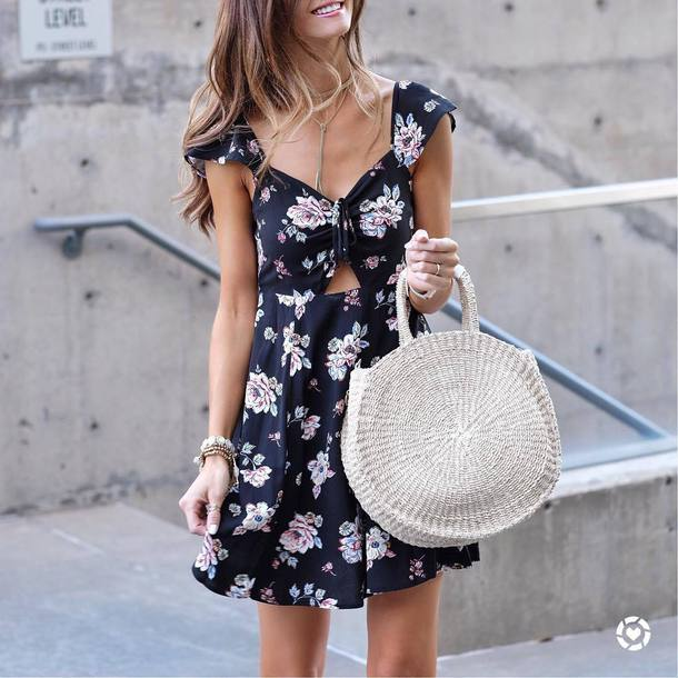 dress tumblr mini dress floral floral dress blue dress bag white bag round bag spring outfits spring dress round tote