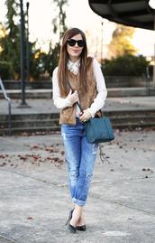 dress corilynn,blogger,ripped jeans,white shirt,beige fur vest,bag,blue bag,blue jeans,denim,cuffed jeans,sunglasses,black sunglasses,pumps,pointed toe pumps,high heel pumps