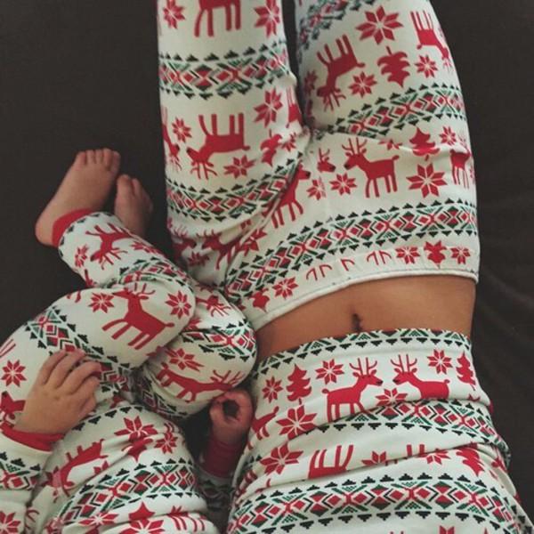 Women's Warm Reindeer Printed Tricot Fleece Sweatshirt Sweatpants Set