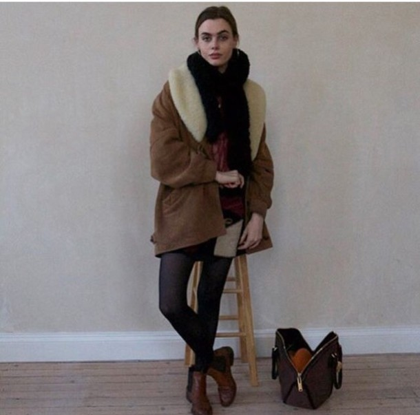 Camel coat black collar