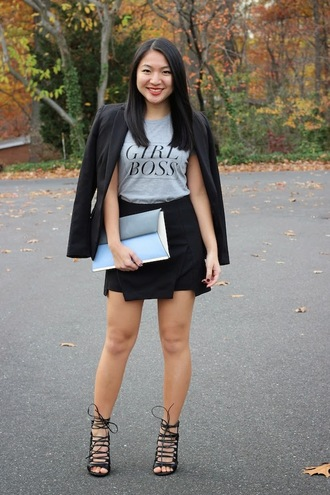 looks by lau blogger t-shirt jacket bag quote on it skirt heels