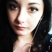 make-up,winged liner,eyebrows,black hair