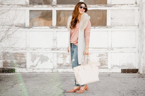 sandy a la mode blogger sweater jacket jeans shoes bag tote bag louis vuitton bag vest pink sweater loafers winter outfits