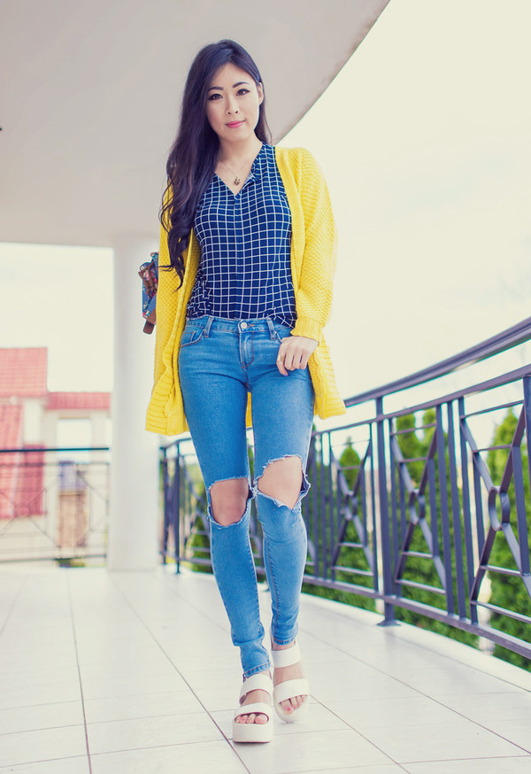 metallic paws blogger cardigan jeans top yellow