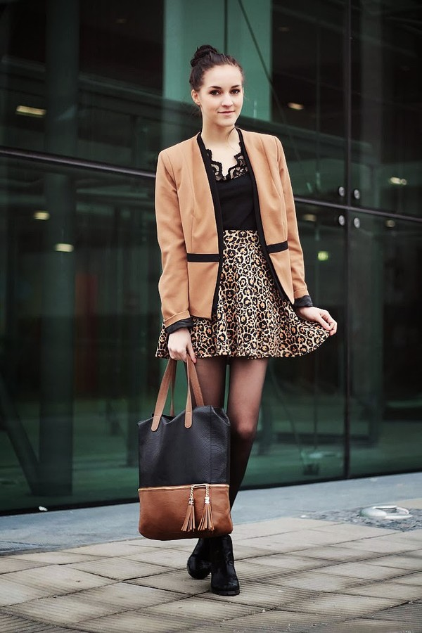 leona meliskova jacket t-shirt skirt bag shoes
