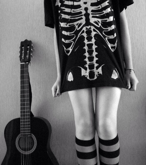 t-shirt shirt black white skull bones skeleton t-shirt knee high socks halloween
