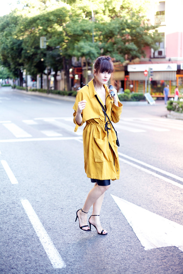 che cosa skirt shoes sunglasses bag coat