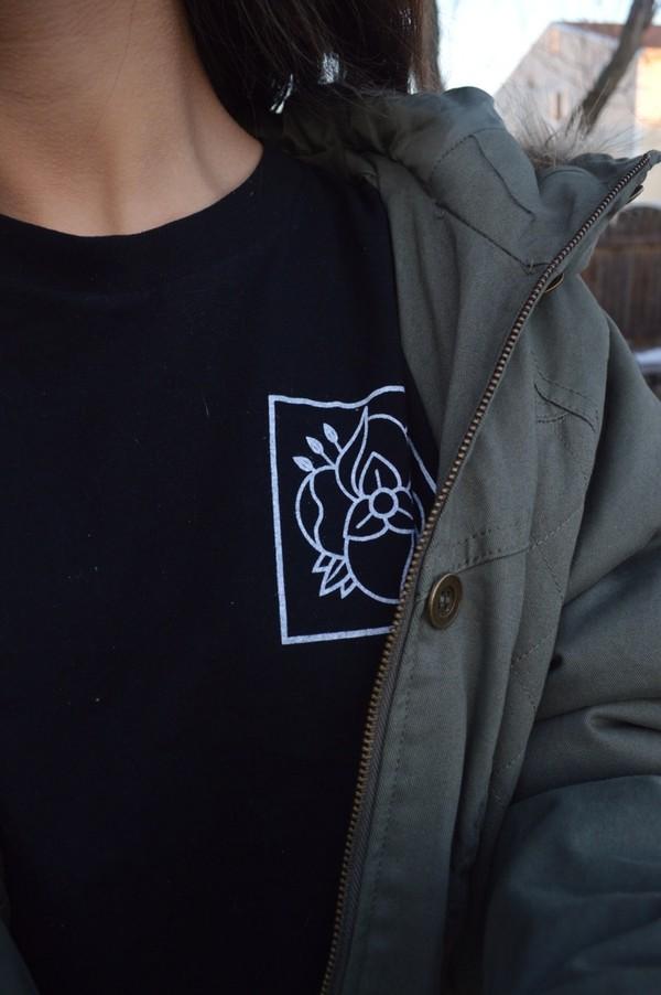 shirt tumblr t-shirt black flowers skateboard logo symbol lotus cute pretty grunge soft grunge jacket la dispute band black la dispute band