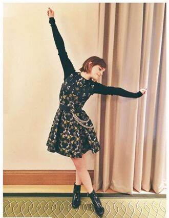 dress boots fall outfits fall dress emma watson instagram long sleeve dress belt shoes