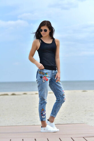 to be bright blogger jeans tank top sunglasses