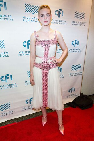 dress elle fanning pumps midi dress