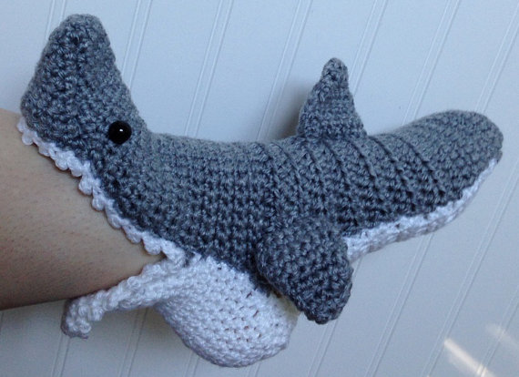 Crochet Shark Shoes Free Pattern : WOMENS Crochet Shark Slipper Socks FREE by PinkPoppyShoppe ...