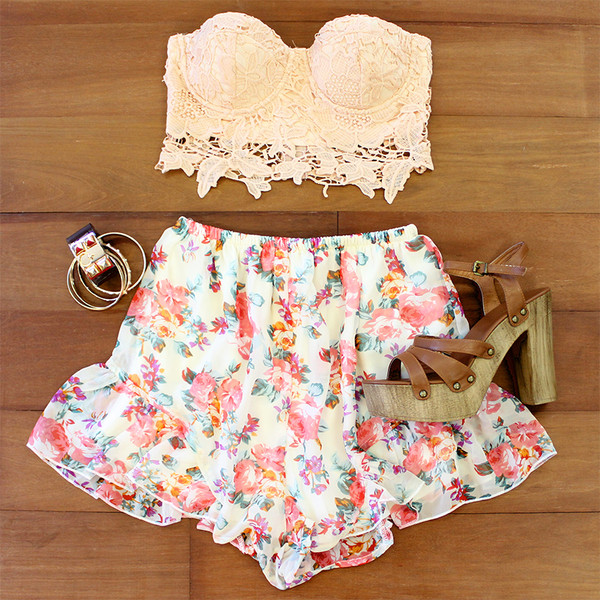 jewels flowered shorts lace lace top apricot spring summer shorts top print floral gold gold bracelet hermes cuff floral crop tops lace crop top hermes tank top